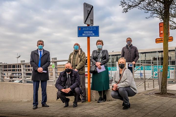 thumbnail-39 straten in Groot-Tielt krijgen nieuw straatnaambord met historische duiding