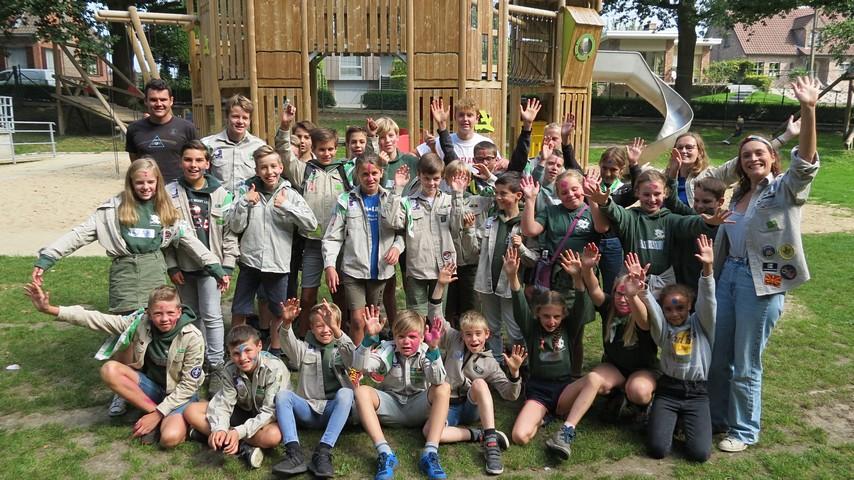 thumbnail-Startdag Scouts Robrecht van Bethune