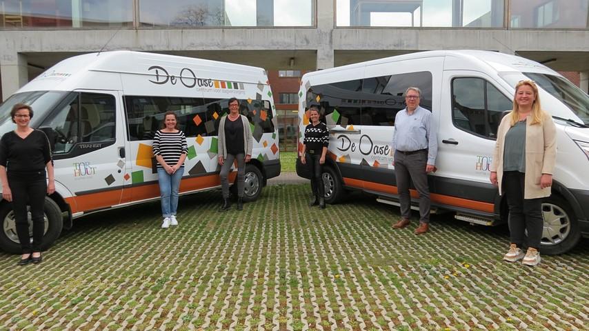 thumbnail-Make-over minibussen De Oase