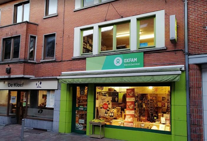 thumbnail-Oxfam Wereldwinkel Tielt viert Tieltse zomer met coctailpakketten