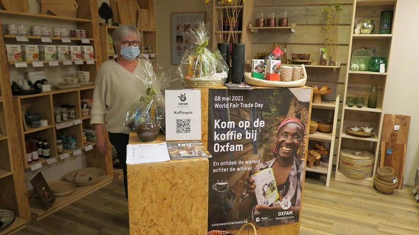 thumbnail-Op de koffie bij Oxfam Wereldwinkel op 8 mei