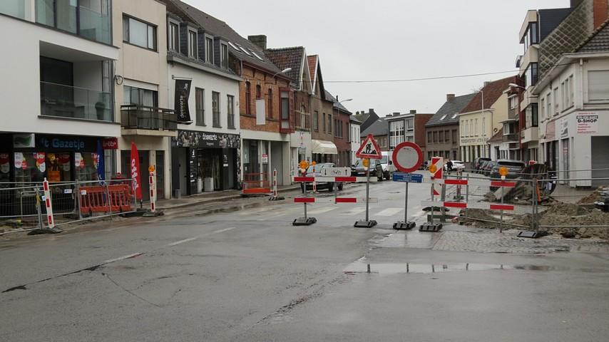 thumbnail-Van Tinnenburgstraat naar de Kortemarkstraat en van de Kortemarkstraat naar de Zuidstraat...