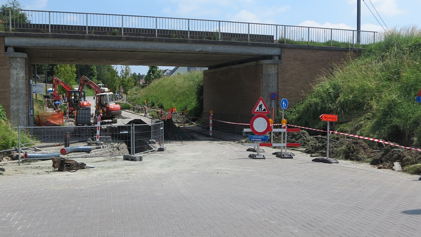 thumbnail-Tinnenburgstraat dicht op 26 augustus daarna eenrichtingsverkeer