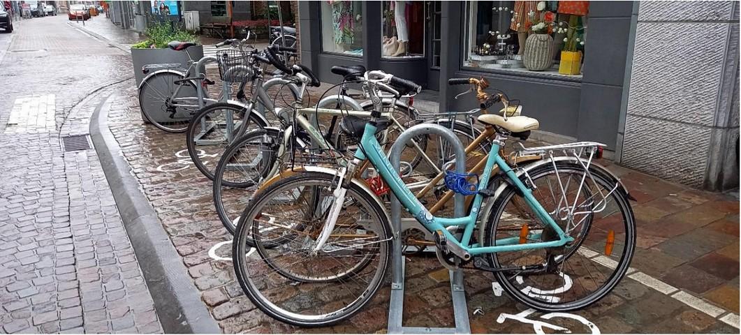 thumbnail-Nieuwe fietsstallingen in Kortrijkstraat en Bruggestraat in Tielt
