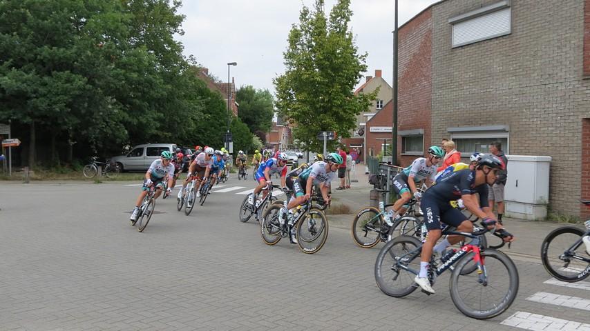 thumbnail-Benelux Tour passeerde door Torhout