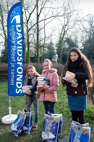 thumbnail-Elena Verschuere en Amy Bollaert naar nationale finale Junior Journalist Davidsfonds