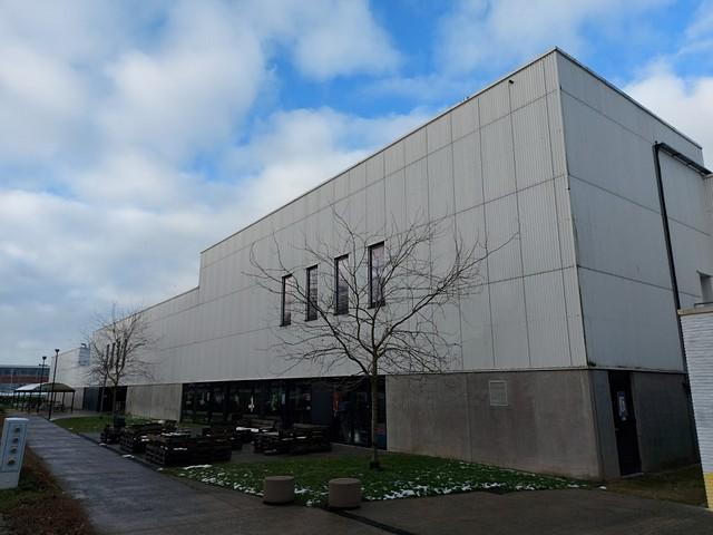thumbnail-Sporthal De Ponte in Tielt krijgt nieuwe ledverlichting