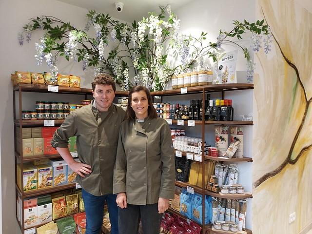 thumbnail-Charles en Ann-Louise van De Smaak van Kaas openen nieuwe winkel